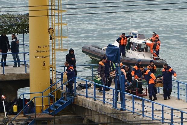 Из моря подняли тела десяти погибших при крушении Ту-154