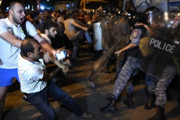 В Ереване задержали уже 136 человек