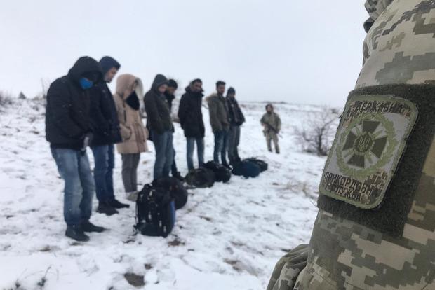На границе Украины ликвидировали канал переправки нелегалов