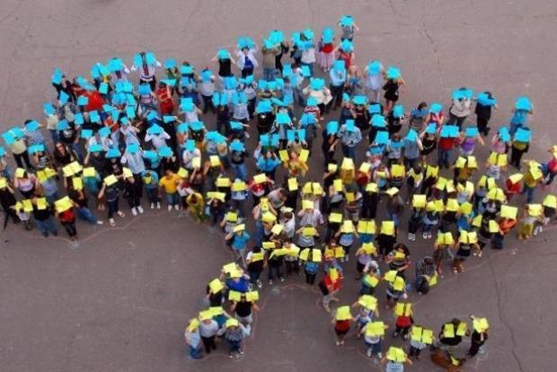 Станом налистопад 2017 вУкраїні проживали 42,4 млн чоловік
