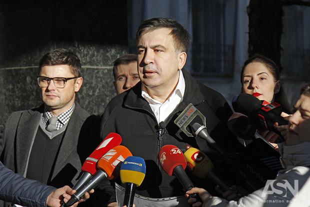 Саакашвілі закликав Меркель завадити Порошенку «розвалити» Україну,— Bild