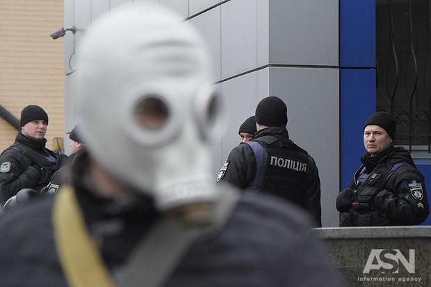 Активисты потребовали запретить полиции применять газ