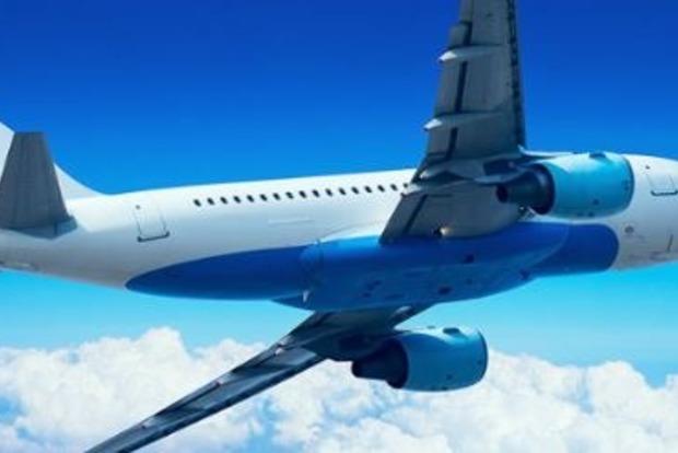 Курйоз в літаку: пасажир підірвав секс-ляльку прямо в салоні