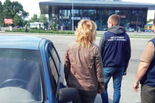 В Черкасской области задержан  депутат, вымогавший взятку $2000