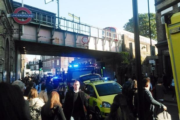 В Лондонском метро прогремел мощный взрыв, есть пострадавшие