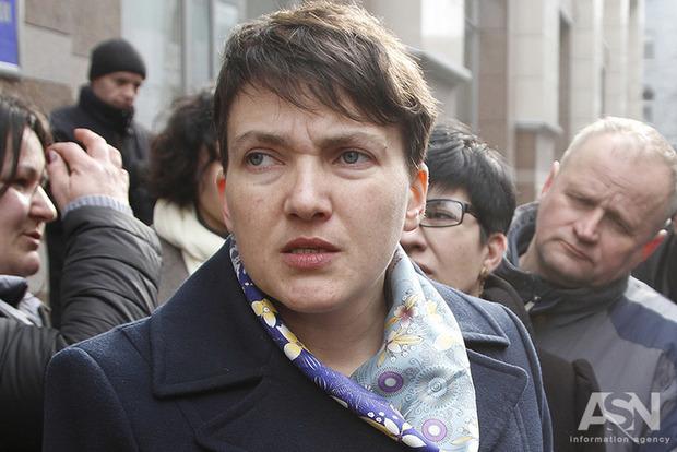 Савченко готова повернути Порошенку зірку Героя України