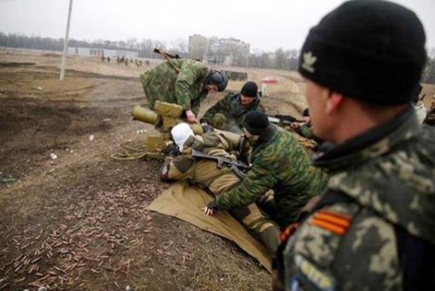 На оккупированной территории Донбасса население нападает на боевиков