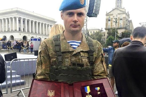 Военный, родных которого ранило взрывом на Грушевского, рассказал о нападении