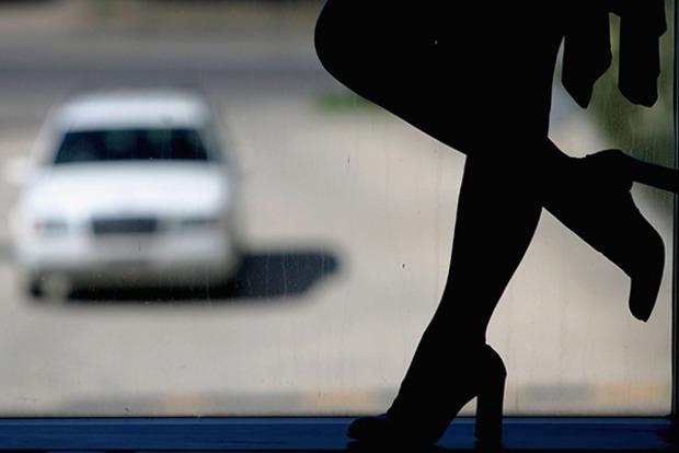 Задержаны торговцы людьми, отправлявшие девушек из Днипра проститутками в Израиль