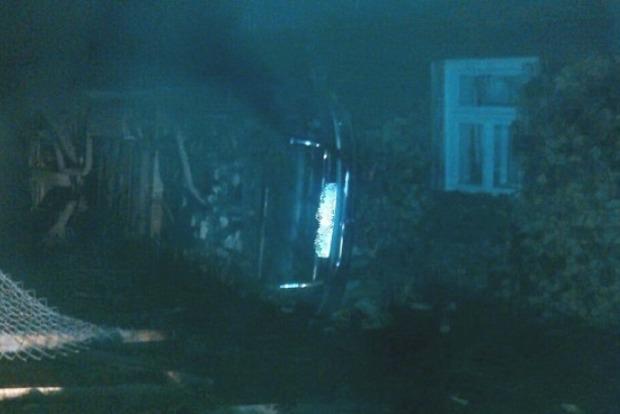 На Закарпатье женщина украла Mersedes и врезалась на нем в дом