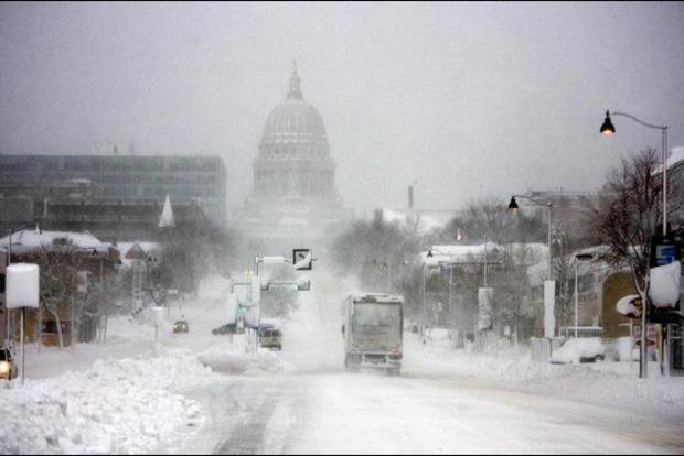 Снігова буря в США. Знеструмлено більше 200 тис. Людей