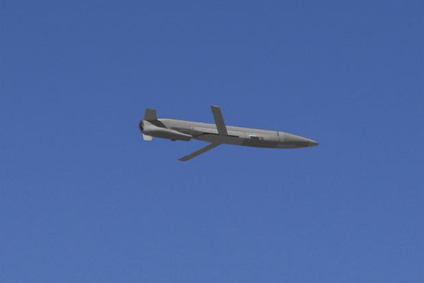 США испытывает БПЛА, способный обманывать ПВО