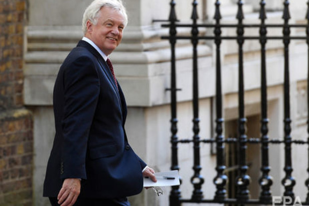 Британський міністр по Brexit подав у відставку