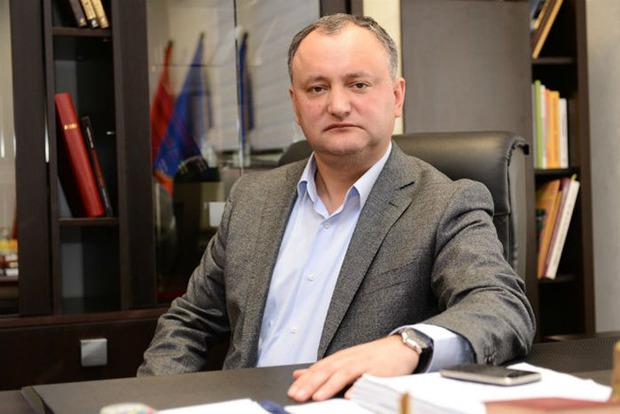 Президент Молдовы запретил военным ехать в Украину на учения