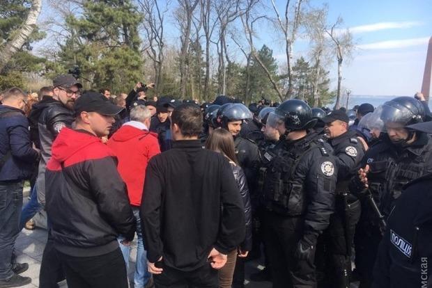 В Одессе полиция задержала уже 20 участников драки на Аллее Славы