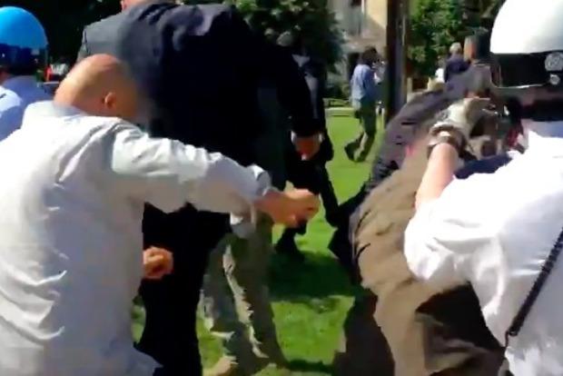 Охрана президента Турции Эрдогана избила протестующих в Вашингтоне