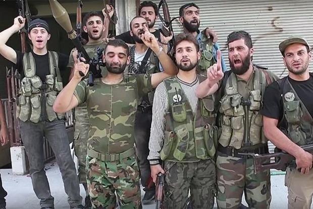 СМИ: Россия нанесла авиаудар по позициям сирийских повстанцев в Дейр-эз-Зоре