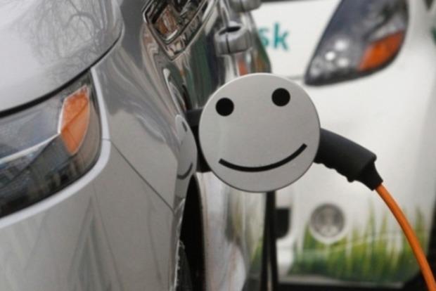 Рада отменила пошлины на электромобили