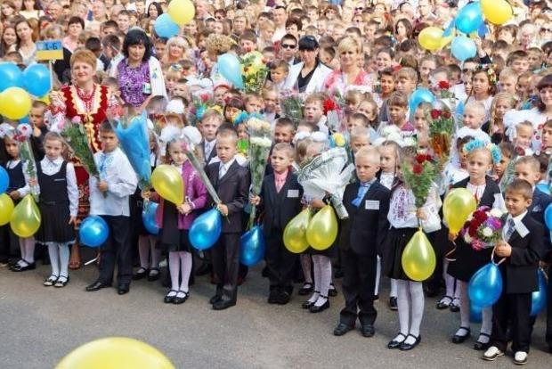 10% школьников в Украине учатся на иностранных языках