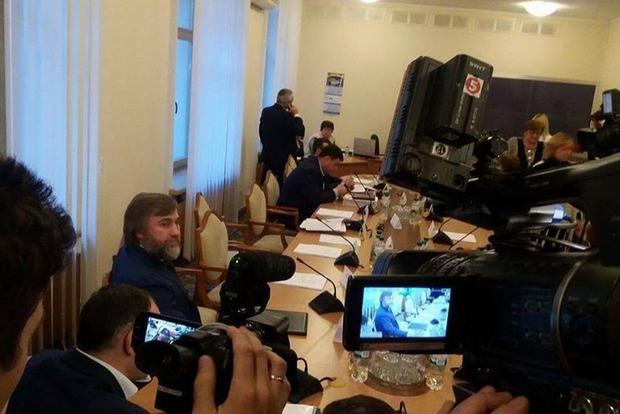 Луценко и Новинский поругались прямо на заседании комитета