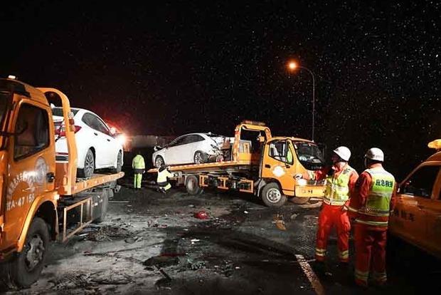 В масштабном ДТП в Китае с участием 23 авто погибли 5 человек