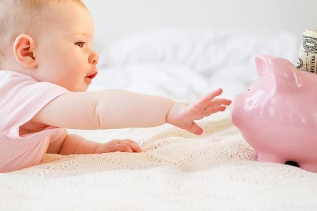 Карантинные выплаты на детей. Кому и сколько Кабмин выдаст госпомощи