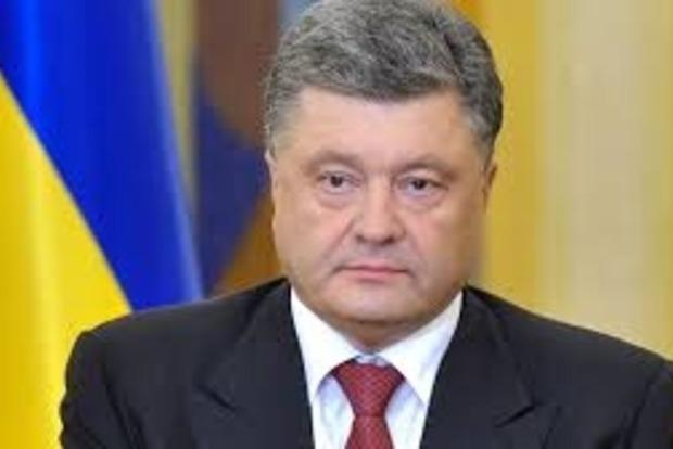 Порошенко обсудил с конгресменами США ужесточение антироссийских санкций