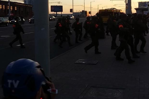 В Минске стреляют по протестующим