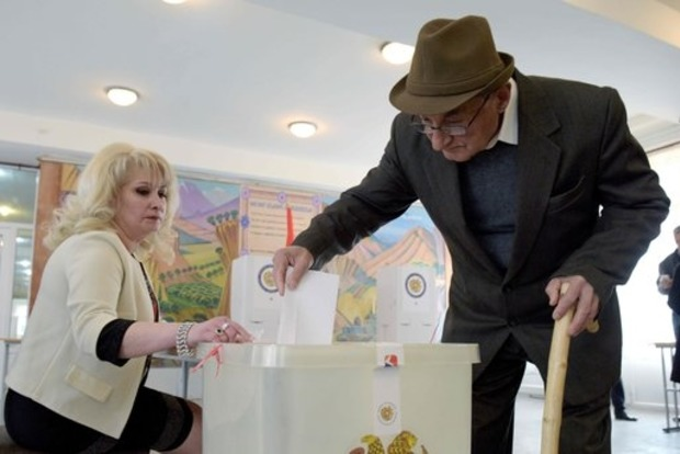 Провластная партия побеждает на выборах в Армении