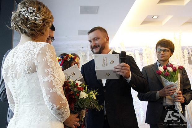 В Ивано-Франковске поженилась за сутки самая пожилая пара влюбленных в Украине