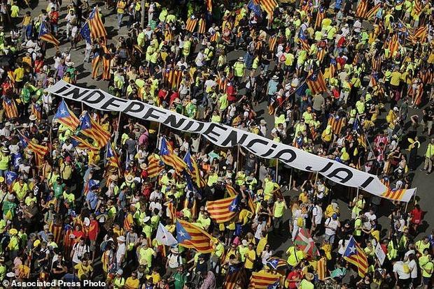 В Барселоне проходит массовая акция в поддержку независимости Каталонии