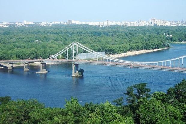 В Киеве зафиксировали первый «летний» день 2017 года