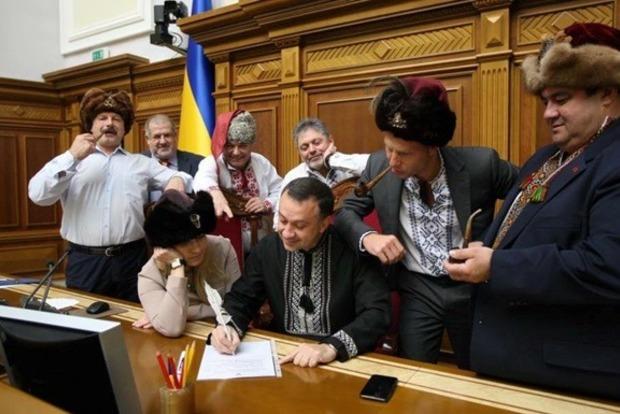 Эй ты, черт московский! Слуга дьявола!. Украинские депутаты написали письмо Путину