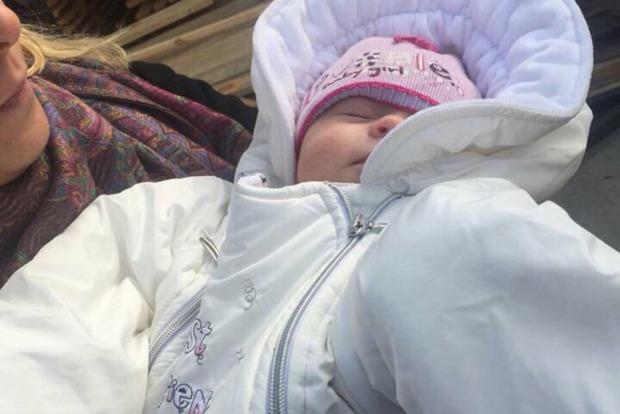 Похищенного младенца вернули родителям. Видео и фото