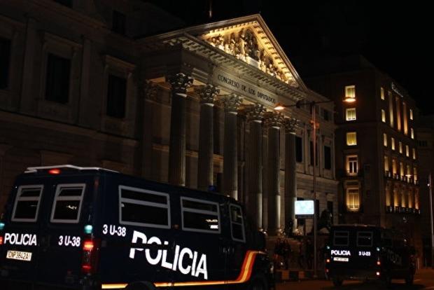 В Испании по подозрению в телефонном мошенничестве задержали 200 китайцев
