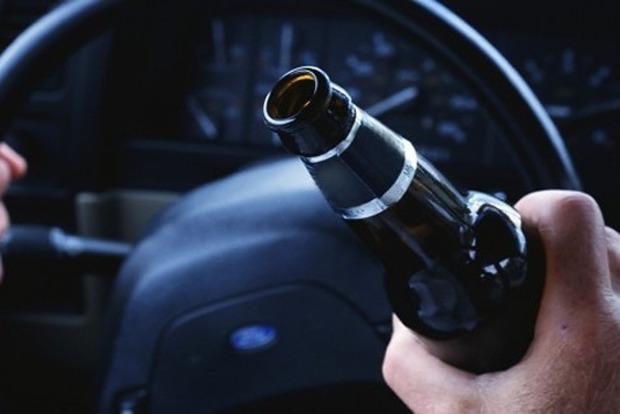 Одесские патрульные устроили погоню за пьяным коллегой за рулем