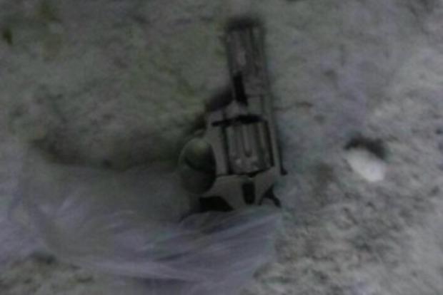 В Харькове пьяный мужчина устроил стрельбу по прохожим, ранена женщина