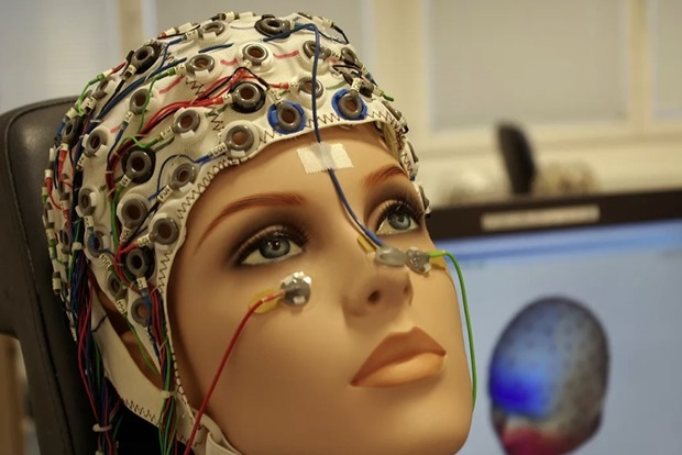 Ученые описали повреждения мозга, связанные с COVID-19