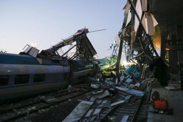 Масштабна НП в Анкарі: зіткнулися два потяги, десятки постраждалих