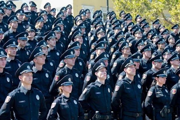 Через полгода ряды полицейских пополнят 5 тысяч новых сотрудников