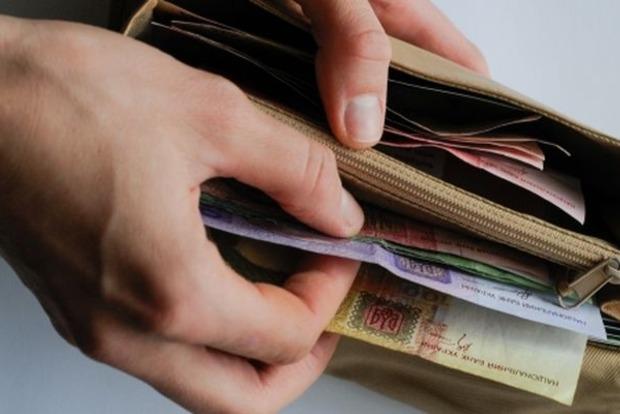 Размер зарплат женщин в Украине на 35% меньше, чем у мужчин – ООН