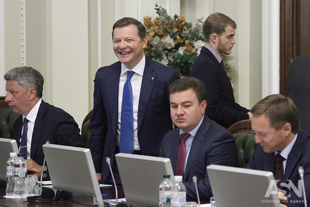 Ляшко хочет посчитать, сколько вчера потратили госденег на вертолетные экскурсии налоговиков в Киев