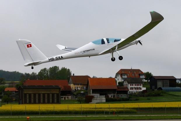В Швейцарии испытали самолет на солнечных батареях для полетов в стратосферу