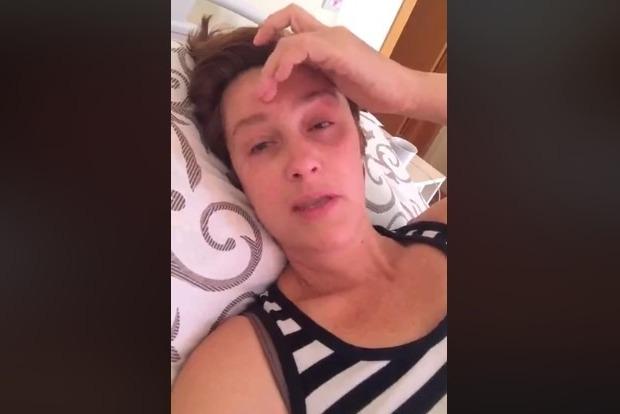 Заплакана Сніжана Єгорова з лікарні поскаржилася на жорстоку країну і людей