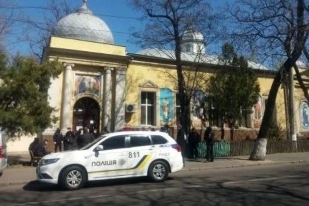 Николаев закрывает на Пасху все церкви и кладбища