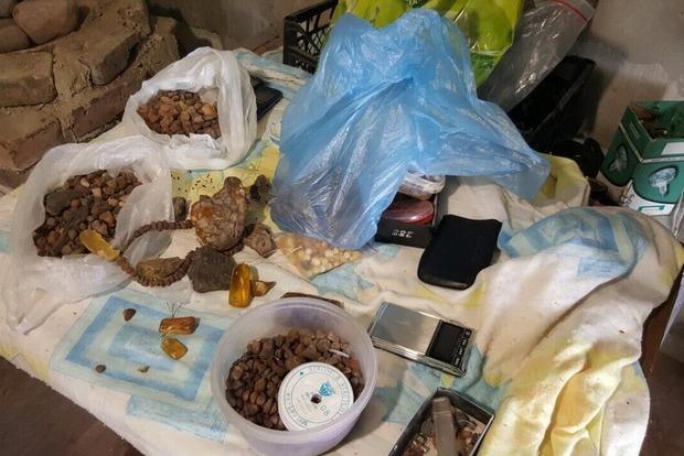 В Ровенской области сотрудники СБУ нападали на скупщиков янтаря