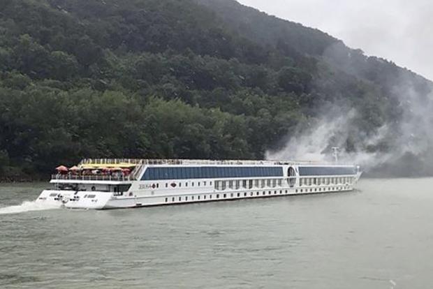 ВАвстрії наДунаї загорілось пасажирське судно, є потерпілі