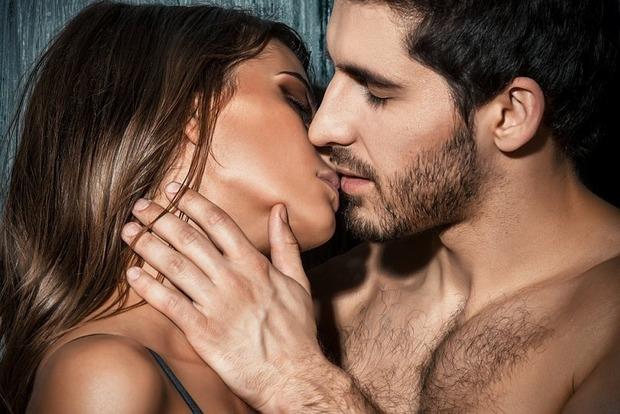 Вчені назвали хвороби, від яких рятує секс