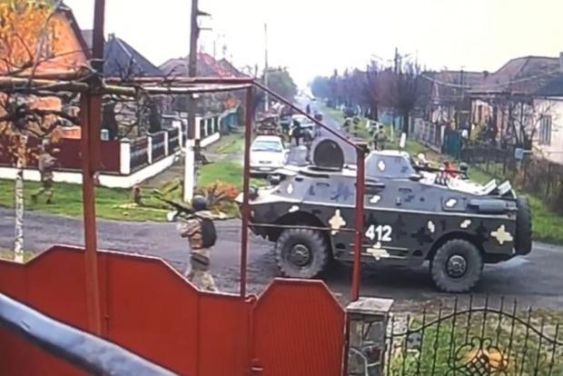 Стали известны причины появления колонны военной техники в селе в Мукачевском (ВИДЕО)