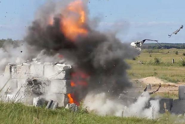 Бетон разлетается в клочья: конструкторы показали испытания ПТК Корсар